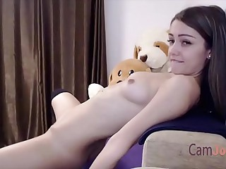 cute solo teen masturbate to..