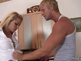 He drills blonde bitch in..