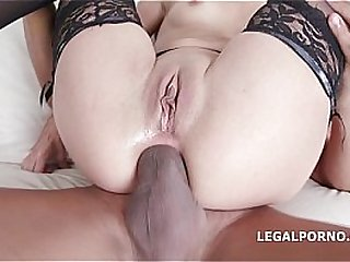 4 on1 Interracial with Roxy..