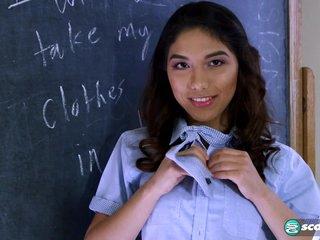 Squirting Schoolgirl -..