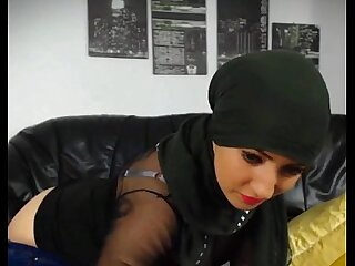 Hot muslim girl stripping n..