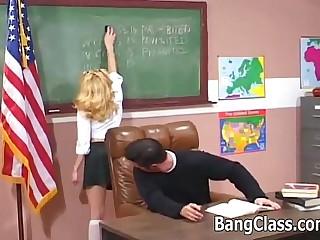 Schoolgirl gets dicked by..
