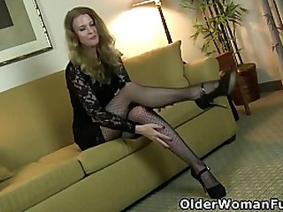 Long legged mature Lacy from..